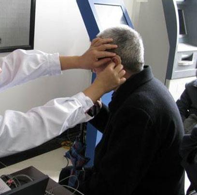 恩雅耳背式助听器验配
